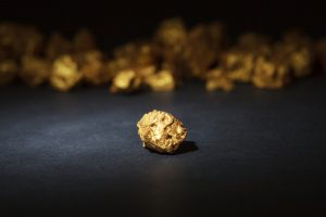 5 Tests That Show Your Gold Jewelry Is Fake | American Bullion